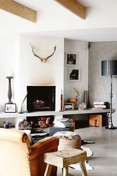 Sala moderna con chimenea | Casa Haus