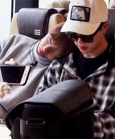 comfy, taehyung? ^.^ (1/2)