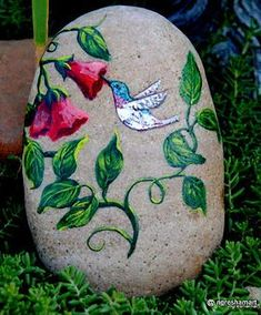 Welcome to my collection of handpainted rocks, pet portraits, holiday themed cards and rocks, gnomes, handpainted saw blades,paintings and more.