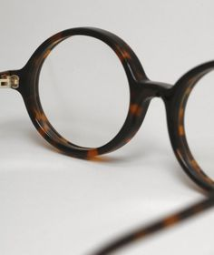 Doc classic tortoise frame and clear lenses - Han Kjøbenhavn