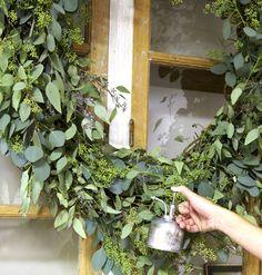A step-by-step homemade eucalyptus wreath #wreath #diy | From MyHomeIdeas.com