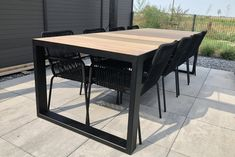 Tuintafels | Industriële tuintafel Tracé Square | tabledusud.nl Outdoor Tables, Outdoor Decor, Dining Table, Outdoor Furniture, Modern, Home Decor, Design, Products, Trendy Tree