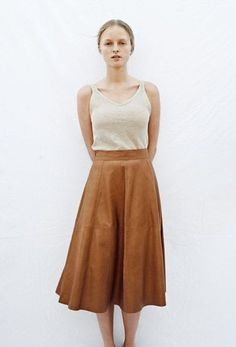 Rust and ecru | Long skirt | Vest | Simple utility | Spring