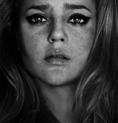 <3 Self-portrait by Cristina Otero 'turning into dust. by *Senju-HiMe' ©2012 *Senju-HiMe -- Direct link to the artist's original work via #deviantart #photography #emotive
