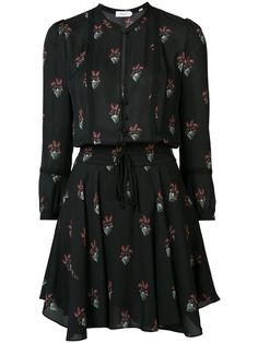 All day dresses. Never be stuck without something to wear with our collection of designer day dresses at Farfetch. Floral Dress Design, Floral Shirt Dress, Silk Floral Dress, Long Shirt Dress, Floral Dresses, Silk Dress, Pretty Outfits, Pretty Dresses, Beautiful Dresses