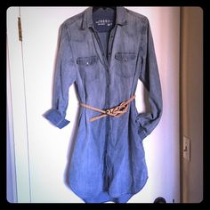 Denium Dress Denim dress with pearl snaps, a true classic! Doesn't come with belt, used for styling only. Slightly longer in the back. I'm normally a large, and this fit perfect. Or wear it for that oversized look, if you're a medium! Reposh. GAP Dresses Long Sleeve