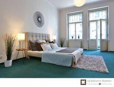 Home Staging nezařízeného bytu v Praze #Praha #Prague #czech #homestaging #pred #po #before #after #white #walls #apartment #loznice #cz #czechrepublic #bedroom #yellow #blue #doplnky #high #ceilings