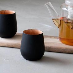 FUQUGI Q/ブラック S | キッチン,グラス・カップ・ドリンクウェア | オルネ ド フォイユ WEBショップ Grass, Cups, Kitchen, Handmade Pottery, Mugs, Cooking, Kitchens, Grasses, Herb