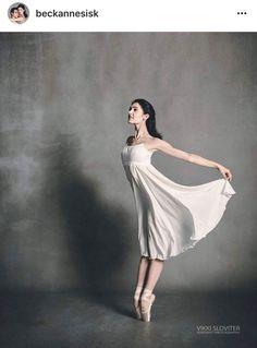 Prepare to be amazed Ballet Feet, Ballet Dancers, Ballet Shoes, Dance Moms, Just Dance, Female Dancers, Female Poses, Dance Pictures, Dance Images