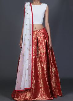Lashkaraa White and Red Brocade Lehenga
