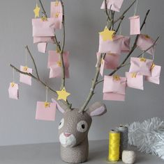 DIY calendrier de l'avent - DIY advent calendar with full photo tutorial. This is super cute. In French but for non speakers it is easy to follow just by checking the photo tutorial.