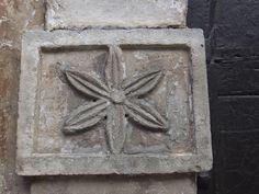 Tagliacozzo - fregi di portali