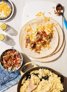 Quick and Yummy Power Breakfasts - Easy-Freezy Breakfast Burritos Best Breakfast Burritos, Power Breakfast, Sweet Potato Breakfast, Breakfast For Kids, Christmas Breakfast, Sausage Breakfast, Breakfast Ideas, Eat Breakfast, Brunch Recipes