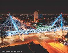 El puente Matue Remus de la ciudad de Guadalajara, Jalisco, luce uno de los sistemas lumínicos más avanzados en México con la introducción del concepto de iluminación rasante y para el que CONSTRULITA creó una luminaria con tecnología LED que evita la contaminación por desperdicio de luz y que se mimetiza con la construcción al enfocar la luz en los límites de la vialidad y evitando el deslumbramiento. El diseño de las luminarias viales utilizadas en el proyecto surgió para cubrir la…