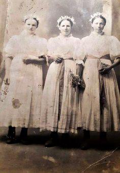 Rudina (Kysuce) Needlework, Nostalgia, Hair Beauty, Costume, Statue, Painting, Travel, Embroidery, Dressmaking