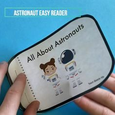 Kindergarten Activities, Preschool Activities, Paper Reader, Astronaut Craft, Creative Teaching, Teaching Tools, First Grade Crafts, Doddle Art, Easy Reader