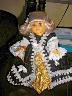 """1987 VOGUE Ginny Doll MARIE ANTOINETTE 8"""" 71-2040 with original stand #Vogue #Dolls"""