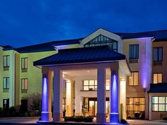 Fort Payne (AL) Holiday Inn Express Hotel & Suites Fort Payne United States, North America Set in a prime location of Fort Payne (AL), Holiday Inn Express Hotel & Suites Fort Payne puts everything the city has to offer just outside your doorstep. Featuring a complete list of amenities, guests will find their stay at the property a comfortable one. All the necessary facilities, including free Wi-Fi in all rooms, 24-hour front desk, meeting facilities, business center, laundry s...