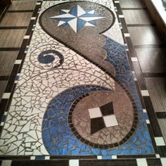 mosaic floor piece Mosaic Diy, Mosaic Crafts, Mosaic Tiles, Tiling, Stone Mosaic, Mosaic Glass, Mosaic Madness, Beautiful Rangoli Designs, Floor Art