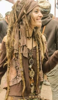 Love her dreadstyle and this boho outfit