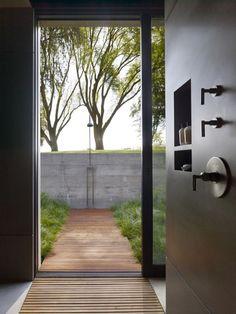 Shower Scenes: Exterior Windows in the Shower
