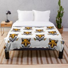 Wolf blankets! Anime Wolf, Chiffon Tops, Comforters, Blankets, Classic T Shirts, Bed, Stuff To Buy, Furniture, Home Decor