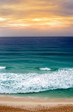 The Waves : Fotografia Sea And Ocean, Ocean Beach, Ocean Waves, Seaside Beach, Ocean Scenes, Beach Scenes, I Love The Beach, Beach Pictures, Belle Photo