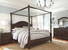 Lavidor Canopy Bed | Ashley Furniture HomeStore
