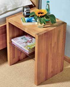Tolles DIY für Heimwerker-Anfänger – der Nachttisch aus massivem Buchenholz ist einfach zu bauen.