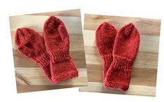 Stine har strikke barnehagevottene i alpakka ull fra Linde garn i fargen 411 Baby, Knitting, Winter, Crafts, Craft Ideas, Fashion, Winter Time, Moda, Manualidades