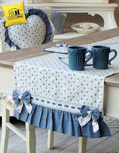 Runner Angelica Home & Country Collezione Cuori Oceano Doppio Fiocco Shabby chic Más Table Runner And Placemats, Quilted Table Runners, Deco Table, Mug Rugs, Table Toppers, Soft Furnishings, Home Textile, Diy And Crafts, Decor Crafts
