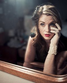 Oooh, love the light! fashion, vintage, outfit, styling, make up, gorgeous (i agree)