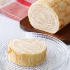 Easy with an egg fryer! Milk rape roll cake – Sweet World Ideas Summer Dessert Recipes, Sweets Recipes, Delicious Desserts, Yummy Food, Gourmet Desserts, Plated Desserts, Desserts Japonais, Dessert Oreo, Tasty Videos