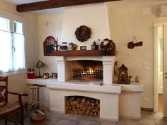 Caminetto rustico in pietra Dining Room Fireplace, Keeping Room, Dream Bathrooms, Style At Home, Home Fashion, Kitchen Furniture, Future House, Kitchen Design, House Plans
