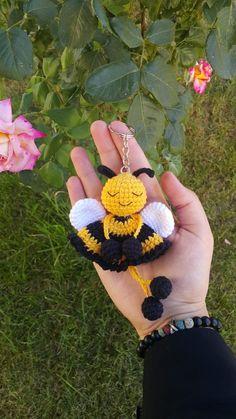 Crochet Bee, Crochet Cactus, Crochet Mask, Crochet Bunny, Crochet Gifts, Cute Crochet, Crochet Motif, Crochet Flowers, Crochet Designs