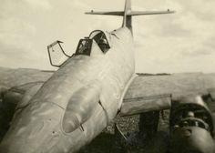 """Me 262 A-1a/U3, """"White 33"""", WNr.500539, III./EJG 2, Lechfeld DE, summer 1945. Me262, Messerschmitt Me 262, Thing 1, Ww2 Aircraft, Aircraft Design, Luftwaffe, Cannon, Classic Cars, Wwii"""