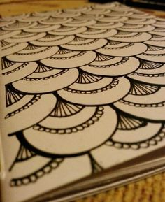Zentangle: Fancy Scallops (This would also be a great filler for a large henna tattoo.)