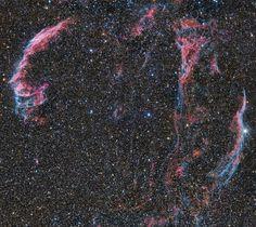 Туманность Вуаль (Петля Лебедя/Рыбачья сеть) - диффузная туманность в созвездии Лебедя, состоящая из: NGC 6960 (туманность Ведьмина метла), NGC 6979 (туманность Пикеринга), NGC 6992 и NGC 6995