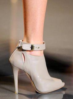 Thin High Heel Attractive Booties #High #Heel