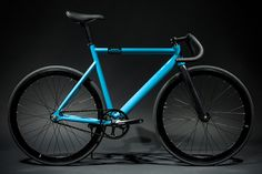 Visit State Bicycle Co. to see our 6061 Black Label - Laguna Blue and see all Fixie Bikes. Customize your bike today or find a location near you. A bike like no other.