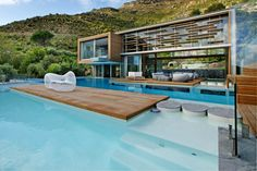3 bedroom House for rent in Hout Bay. Ultra modern luxurious Villa in quiet cul-de-sac in the quaint fishing village of Hout Bay Amazing Architecture, Interior Architecture, Building Architecture, Organic Architecture, Cool Swimming Pools, Location Villa, Pool Designs, My Dream Home, Exterior Design