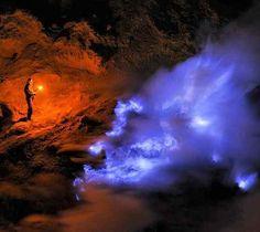 Kawah Ijen volcano has some spectacular blue lava during the night time,Ijen Mountain Banyuwangi,Beautiful Place in Indonesia,Beautiful Place in Indonesia,ijen crater blue fire ijen crater blue fire,Ijen crater tour, Ijen crater