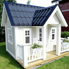 A Dream playhouse. Exclusive, beautiful and elegant playhouses Backyard Playhouse, Backyard Sheds, Backyard Playground, Backyard For Kids, Wood Playhouse, Kids Cubby Houses, Play Houses, Kids Clubhouse, Tree House Plans