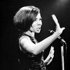 Shirley Bassey vintage 60s style icon (5)