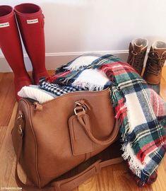 Maine getaway // packing for a winter trip - duck boots, rain boots, blanket scarf. Duck Boots, Rain Boots, Snow Boots, Winter Wear, Autumn Winter Fashion, Winter Style, Tartan, Portland, Preppy Style