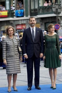 Queen Letizia's green dress by designer Felipe Varela @gtl_clothing #getthelook http://gtl.clothing