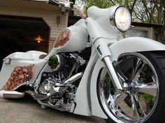 Sleek Road King custom