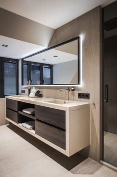 21 Bathroom Cabinet Ideas for A Minimalist Bathroom. Incredible Bathroom Cabine 21 Bathroom Cabinet Ideas for A Minimalist Bathroom. Modern Bathroom Design, Bathroom Interior Design, Modern Interior Design, Modern Bathrooms, Minimalist Bathroom Design, Restroom Design, Tiny Bathrooms, Bathroom Designs, Luxury Interior