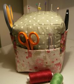 Lovely big pin cushion tool holding thingy :)