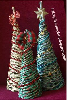 Choinki papierowa wiklina Christmas Ornaments, Holiday Decor, Diy, Home Decor, Decoration Home, Bricolage, Room Decor, Christmas Jewelry, Do It Yourself